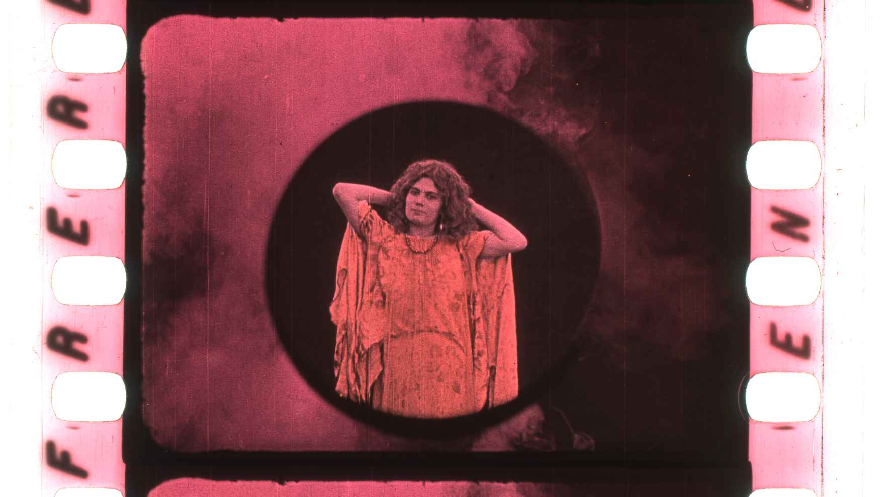 "Early color film ""Physique diabolique"""